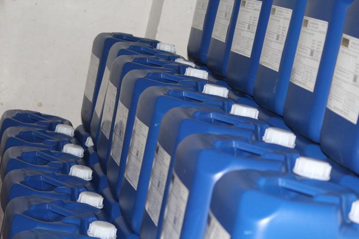 供应溶剂挥发不油腻金属表面快干防锈油
